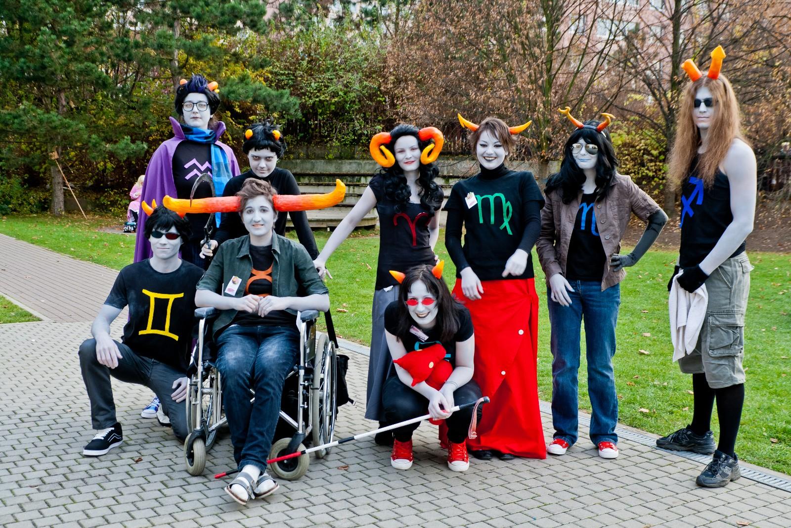 FOTO: Účastníci AkiConu v kostýmech Tavrose