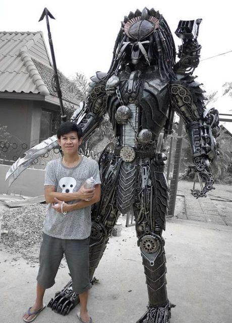FOTO: Socha Predátora vyrobená v thajské dílně KreatWorks