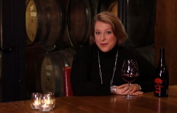 FOTO: Deborah Harknessová při svém pořadu o víně
