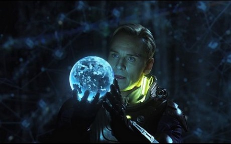 FOTO: M. Fassbender ve filmu Prometheus