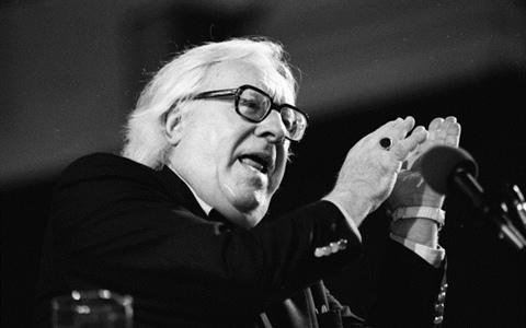 Bradbury nechal roku 1953 svázat 200 knih v azbestu. Jedna z nich je nyní na prodej. Zdroj: wikimedia.org