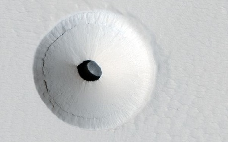FOTO: Díra na Marsu