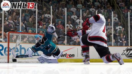 NHL 13 - brankářský zákrok