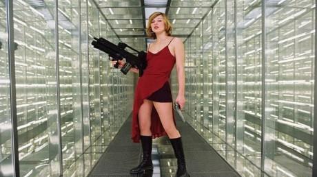 Takové byly začátky Alice v Resident Evil. Zdroj: Falcon