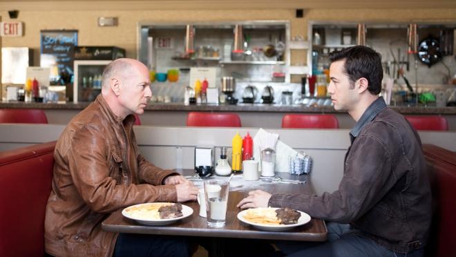 FOTO: Hlavní dvojice hrdinů z filmu Looper