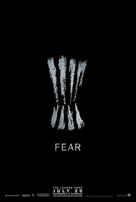 OBR: Plakát k filmu Temný rytíř povstal