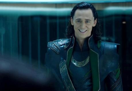 FOTO: Tom Hiddleston v Avengers