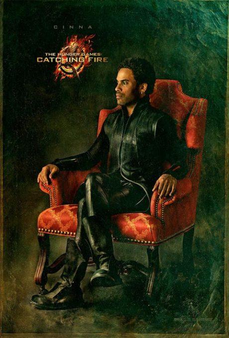 Kožený outfit designéra Ciny. Zdroj: Universal Pictures