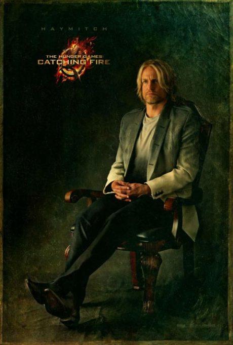 Alkoholik Haymitch s doposud nejjednodušším kostýmem. Zdroj: Universal Pictures