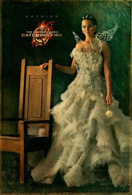 Katnissiny parádní svatební šaty. Zdroj: Universal Pictures