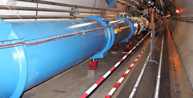 FOTO: LHC v CERNu