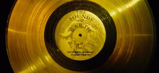 Zlatá deska Voyageru. Zdroj: commons.wikimedia.org