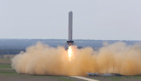 FOTO: Testovací raketa Grasshopper SpaceX