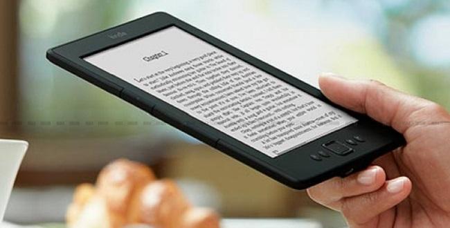 FOTO: Amazon Kindle 5 v ruce