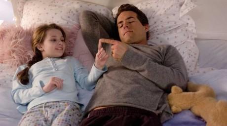 FOTO: Abigail Breslin a Ryan Reynolds ve filmu Určitě, možná