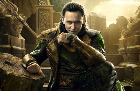 Plakát k novému Thoru s názvem Temný svět. Co má Loki za lubem?