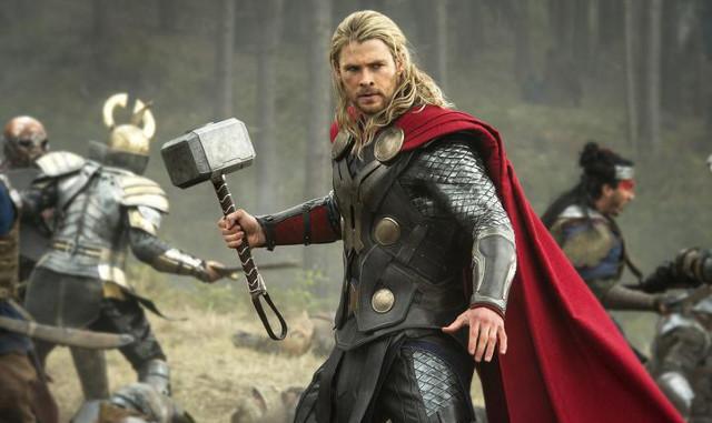 FOTO: Thor: Temný svět - Chris Hemsworth - Falcon