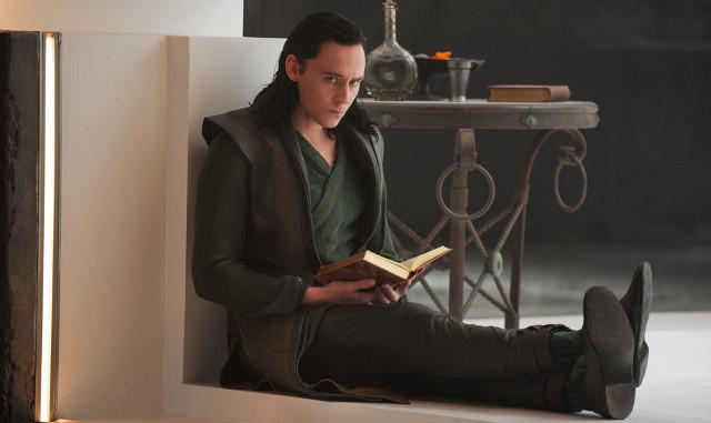 FOTO: Thor: Temný svět - Tom Hiddleston - Falcon