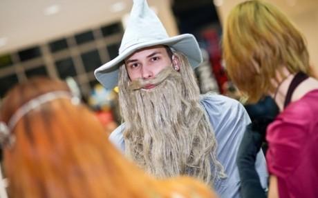 FOTO: Kostýmovaný fanoušek na premiéře filmu Hobit