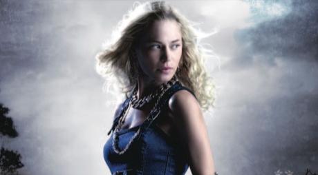 Alex Craftová je stínová čarodějka a hlavní hrdinka  série Kalayny Priceové.