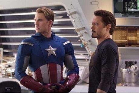 Robert Downey Jr. společně s Chrisem Evansem. Zdroj: Marvel