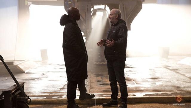 Francis Lawrence (napravo) při natáčení. Zdroj: Lionsgate