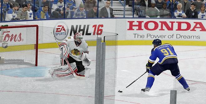 NHL 16 Tarasenko útočí