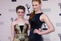 Sophie Turner a Maisie Williams alias Sansa a Arya ze Hry o trůny